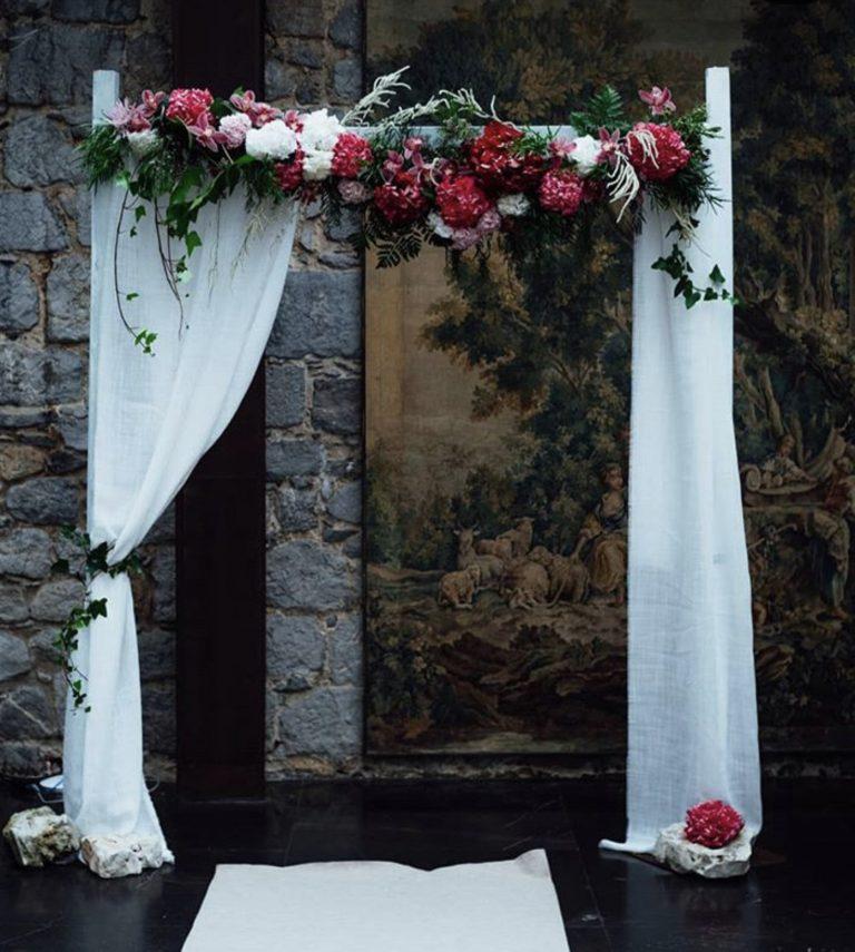 Arco floral decoración boda